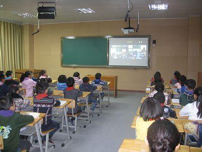 利用录播系统实现城乡学校课堂同步